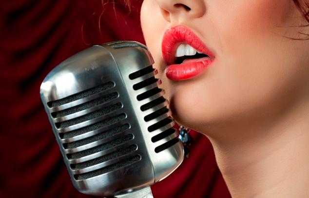 Csak szólj, ha hangosan énekelek!